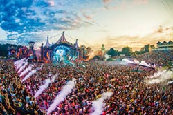 UNITE With Tomorrowland登台 成就音樂聯合國傳奇