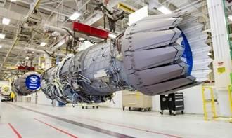 大陸殲10改裝向量噴管 機動與隱密性能提升
