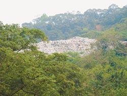 垃圾水溢流竹東大圳 蒼蠅聲不絕