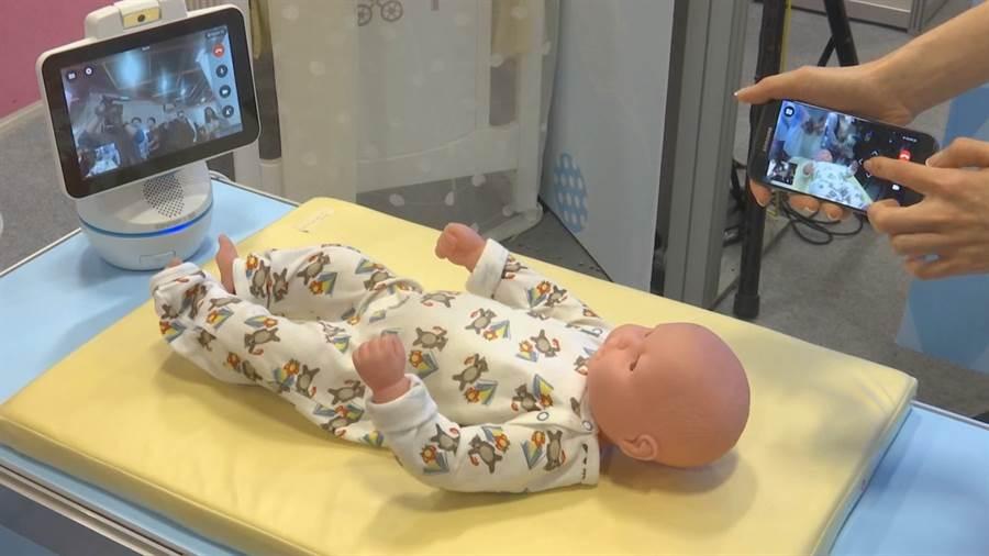 奶爸當道!育嬰非母職 嬰兒背帶man味足.機器人顧小孩