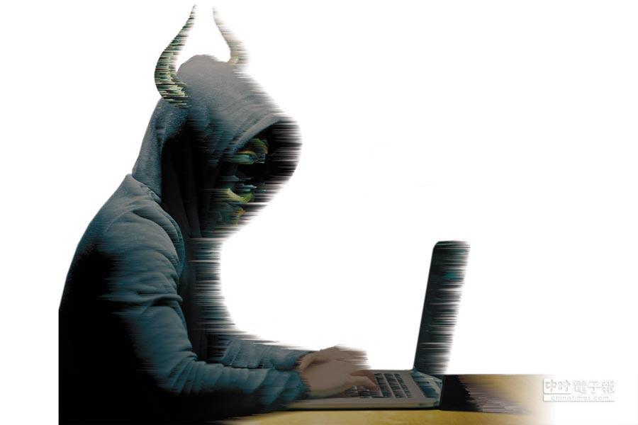 用戶個資外洩成為嚴重問題,祖克柏同意出席作證,也給Google執行長皮查伊,及twitter執行長杜錫來壓力。(影像合成:美術中心)