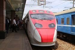 選情爆炸 23日午後台鐵高鐵全滿 企業界集資開返鄉專車
