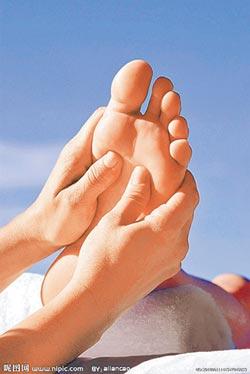 按按腳身體好 走出3大足療誤區