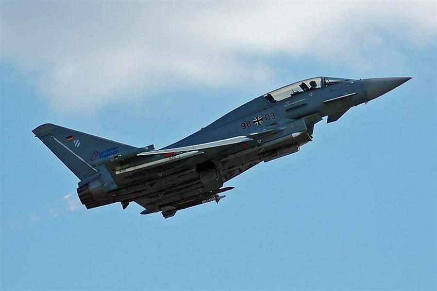 一架德國空軍颱風戰機。(圖/WikiMedia)