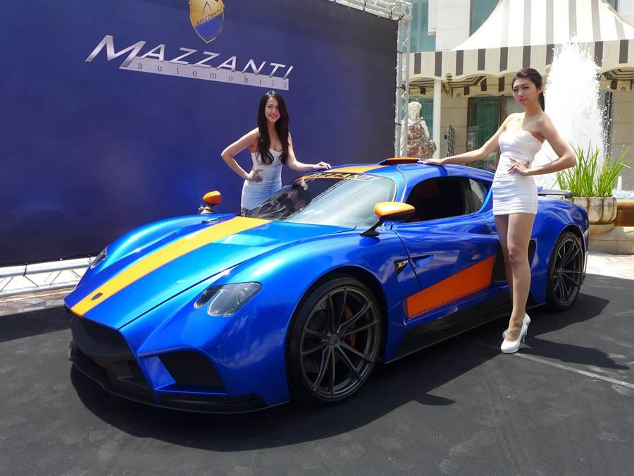 價值近億元的頂級超跑首度在台亮相,亞太地區限量3輛,其中2輛已被台灣客訂購。(林欣儀攝)