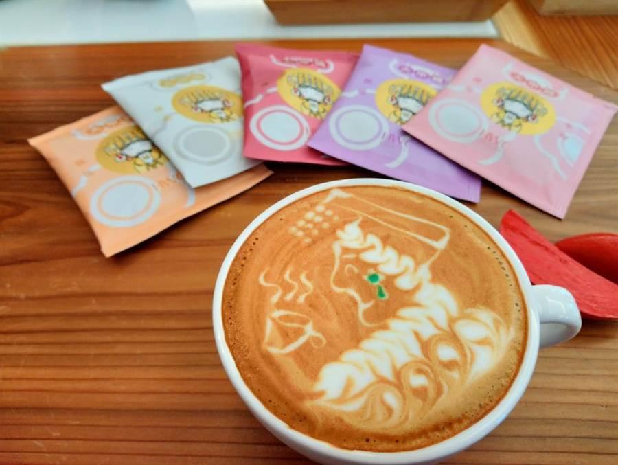 黑沃咖啡推出由台灣拉花大賽季軍陳顥元構圖繪製的「媽祖拿鐵」,為大甲媽祖遶境獻上最誠敬的祝福。(圖/曾麗芳)