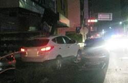 國三生好奇偷開車 失控擦撞路旁車輛及招牌