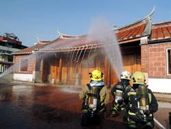 保護古蹟防範未然 鳳儀書院舉行消防演練
