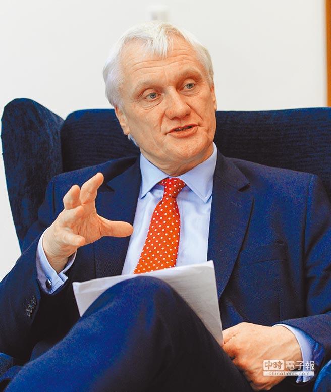 英國國際貿易部投資部長史徒華(Graham Stuart)接受專訪表示,台灣四面環海也想快速發展離岸風電,英國可以給予最大的協助。圖/王德為