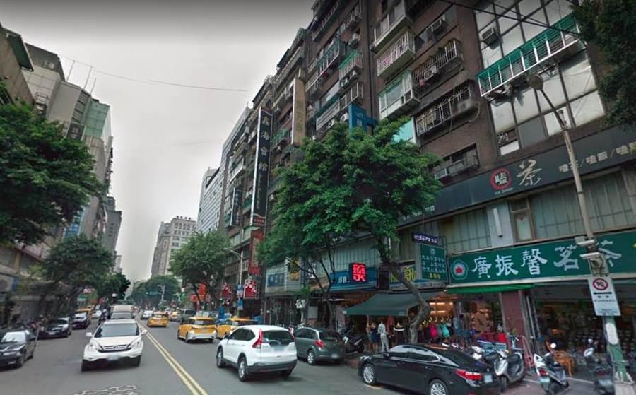 陳男遭到李男強押至台北市中山區林森北路的出租套房大樓內監禁,並用鐵鎚毆打、強迫剃頭髮,結果陳男傷重不治。(翻攝自GOOGLE MAP)
