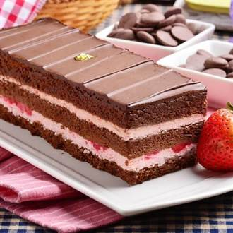 髒髒包夯 愛買母親節主打巧克力蛋糕