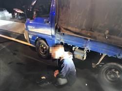 住宅鑰匙竟能發動小貨車?醉男深夜偷車被逮