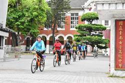 台南女中師生單車長征 為癌友三度募髮募款