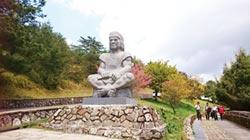 布農勇士石雕 守護玉山塔塔加