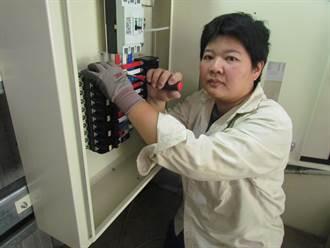 前免稅店倉管主任考3證照 成太陽能光電業界一線女從業人員