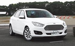 Ford Escort 榮膺「最佳國產中型房車」