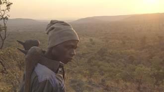 非洲版單車失竊記? 《日常對話》導演看完也失語的紀錄片