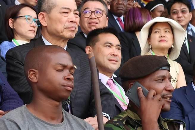 經濟部次長王美花、華南副董事長林知延(中)等人,也一起參與史瓦濟蘭50雙慶典禮。(曾薏蘋攝)