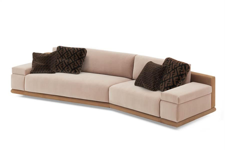 FENDI Casa沙發,由Thierry Lemaire操刀設計。(FENDI Casa提供)