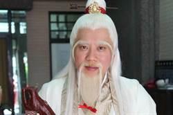 李飛扮月老 新人婚宴引目光