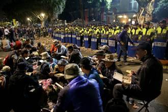 反軍人年改團體「八百壯士」 立法院前埋鍋造飯長期抗爭
