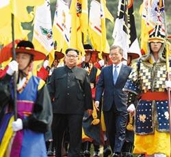 獨裁狂人展外交手腕 金正恩秀微笑 比核武還犀利