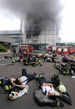 一周死七警消 葉毓蘭:政府如何要求他們「做功德」?