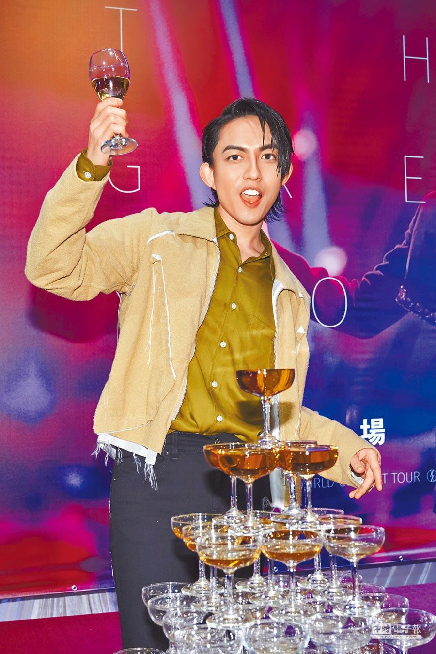林宥嘉前晚舉行慶功宴,慶祝高雄巨蛋演唱會圓滿落幕。