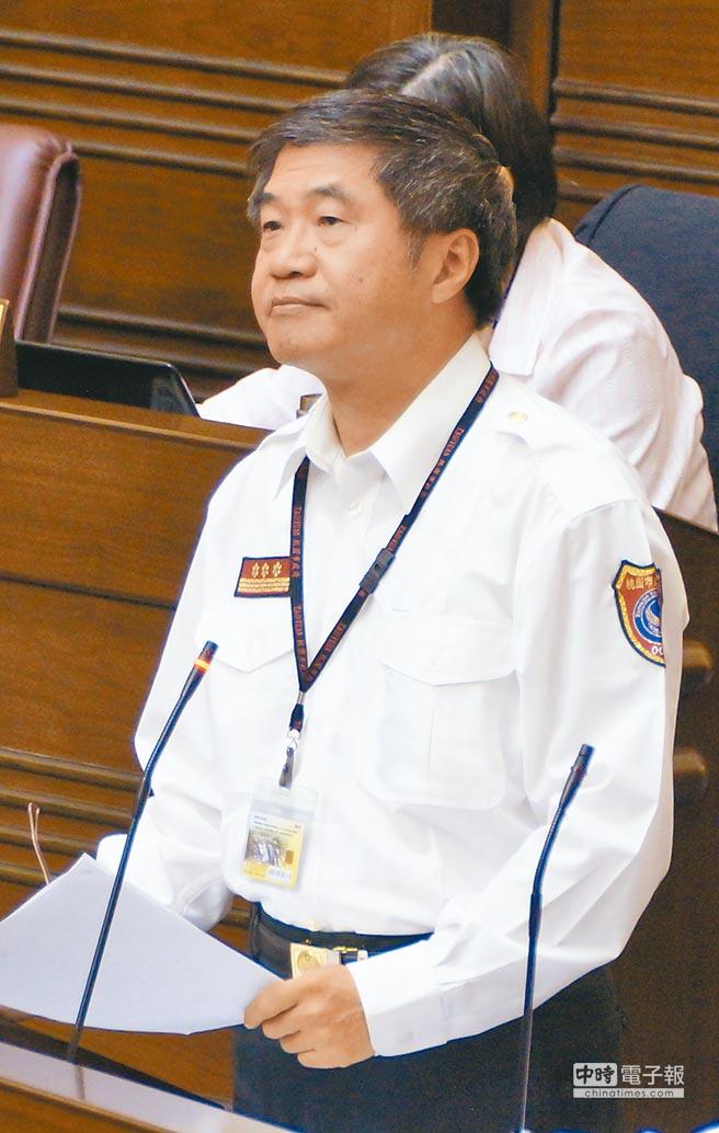 敬鵬大火造成消防隊員5殉職2重傷,桃園市消防局長胡英達昨請辭獲准,一肩扛下責任。(本報資料照片)