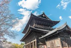 京都南禪寺傳刺鼻臭味 引疑恐攻騷動