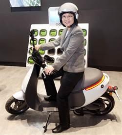 總統要考摩托車駕照 原來要先問他