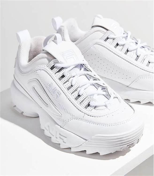 Urban Outfitters x Fila Disruptor 2 Premium Mono Sneaker(圖/ Fila)