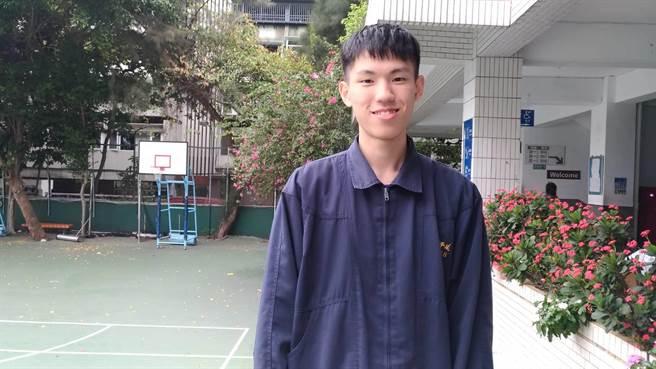 延平中學許景翔同學錄取台大五系,表現十分優秀。(延平中學提供)
