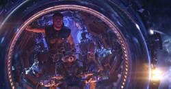 《復仇者3》創下最快破10億美金紀錄 英雄們陸續自爆回歸!