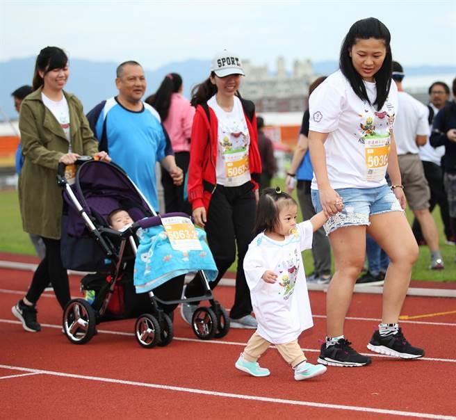 2020國際奧林匹克路跑,因為新冠肺炎疫情從今年4月12日延到7月12日。圖為2018國際奧林匹克路跑賽活動照。(資料照/中華奧會提供)