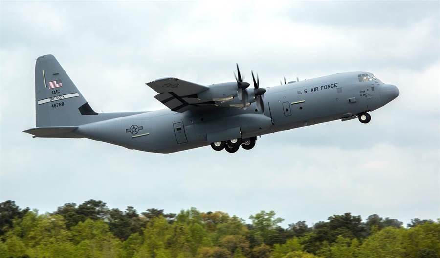 由於A-400M進度過遲,德國決定轉向美國購買C-130J運輸機。(圖/洛馬公司)