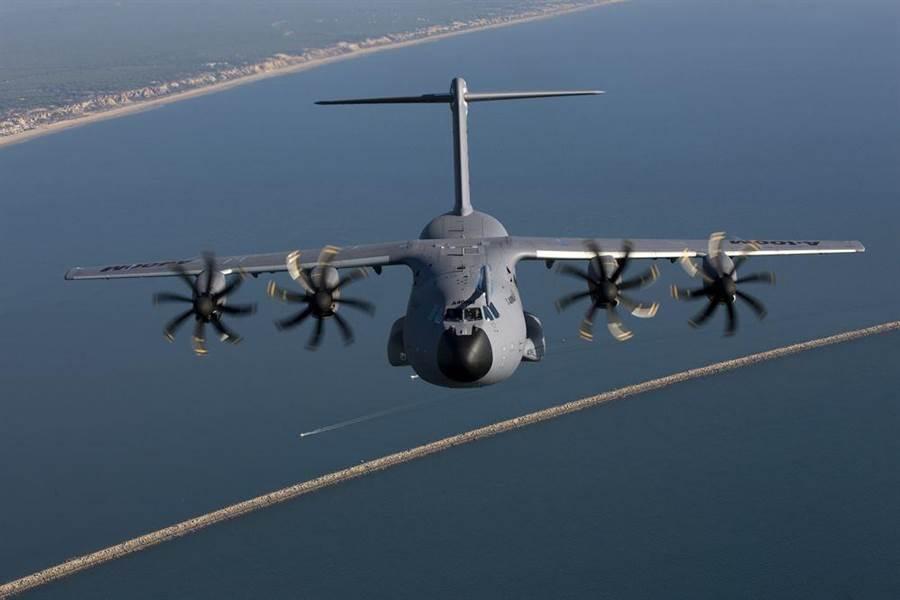 因研發困難而遭到批評的空巴集團A-400M運輸機。(圖/airbus)