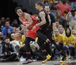 NBA》迪羅薩惡意犯規被驅逐出場 暴龍軍心潰散