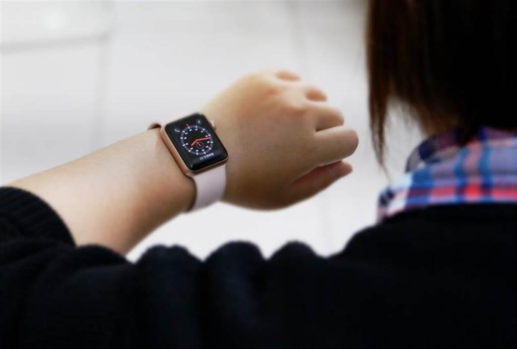 Apple Watch Series 3(GPS+Cellular)。(圖/黃慧雯攝影)