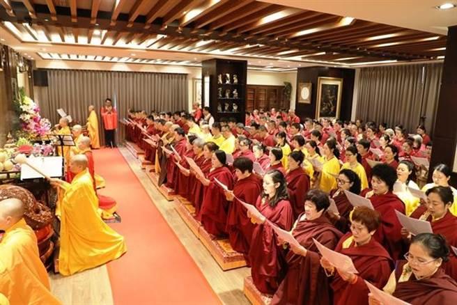 還願精舍喬遷啟用湧進近千名善信場面莊嚴/圖片來源:中華國際佛教聞修正法會