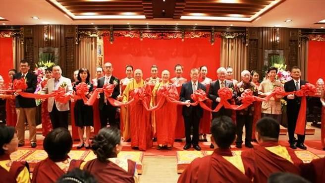 啟用開光典禮來自台灣產官學各界的貴賓一起見證開光法喜時刻/圖片來源:中華國際佛教聞修正法會