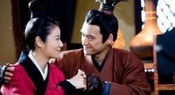 「十三爺」變最帥皇帝 袁弘戲裡外寵妻狂魔