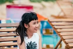 馬來西亞小蘿莉獨自尋生父 憂心說:爸爸不愛我怎麼辦