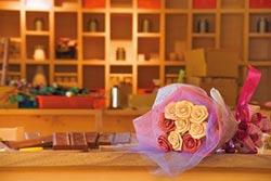 母親節遊傳藝 媽咪摸彩送木玫瑰