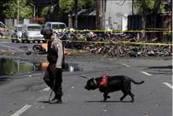 挺IS!印尼一家6口恐攻 9歲女與母姐當人肉炸彈