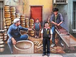 用畫記錄新莊 里長彩繪巷弄傳承百年文化