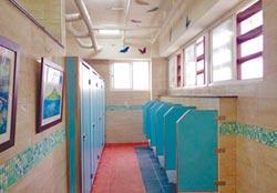 一掃髒臭 老廁所變藝廊