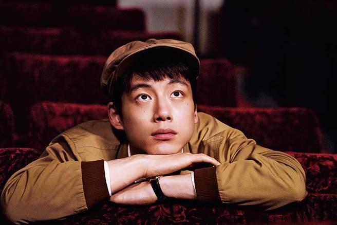 男主角坂口健太郎是最近日本流行的鹽臉(耐看)型男。。(圖/采昌國際多媒體)