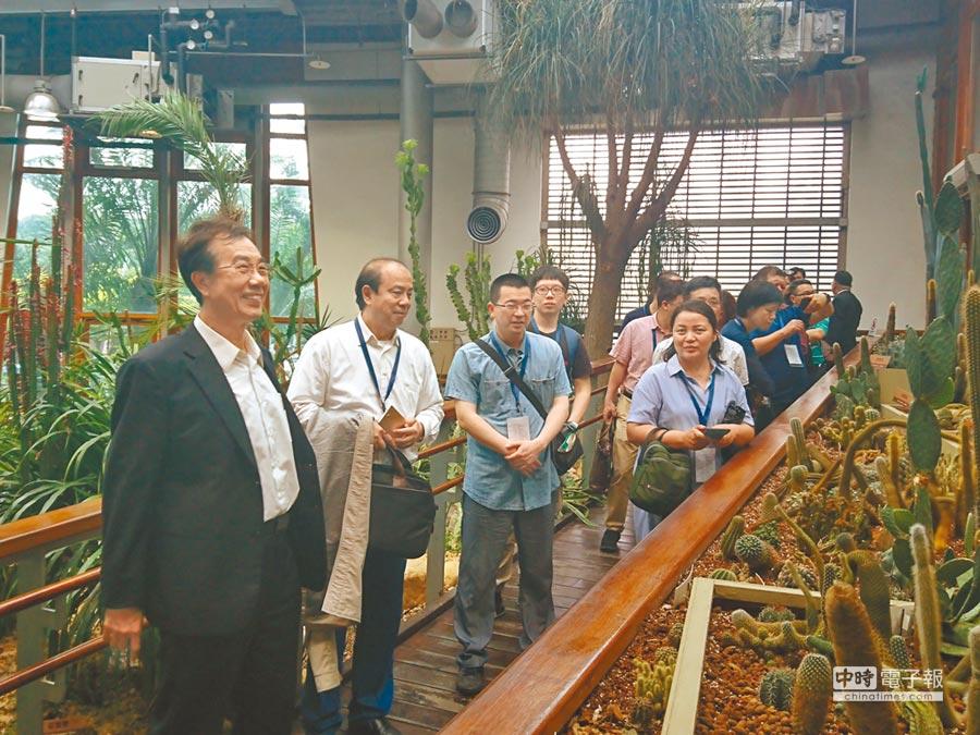 第八屆兩岸徵文大陸媒體團14日參訪花博園區「天使生活館」。(記者李侑珊攝)