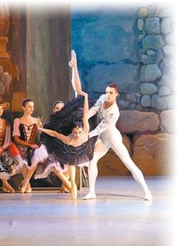 古典芭蕾舞 娜塔莉‧瑪莎克按讚
